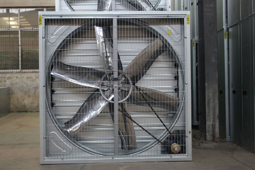 Sử dụng quạt thông gió vuông để lưu thông nhà xưởng